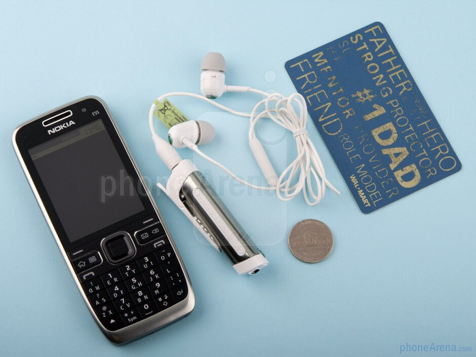 Design-wise, the Sony Ericsson MW600 Bluetooth headset is extremely compact - Sony Ericsson MW600 Review