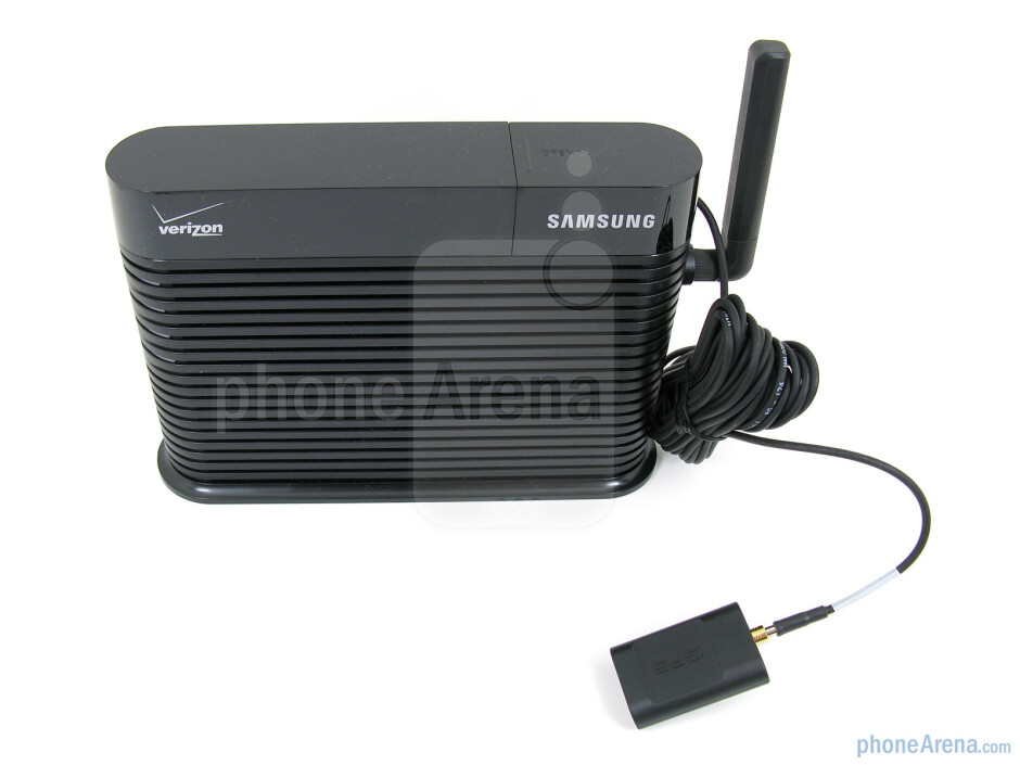 The Verizon 3G Network extender canconnect directly to a router or cable modemwith the included Ethernetcable - Verizon 3G Network Extender Review