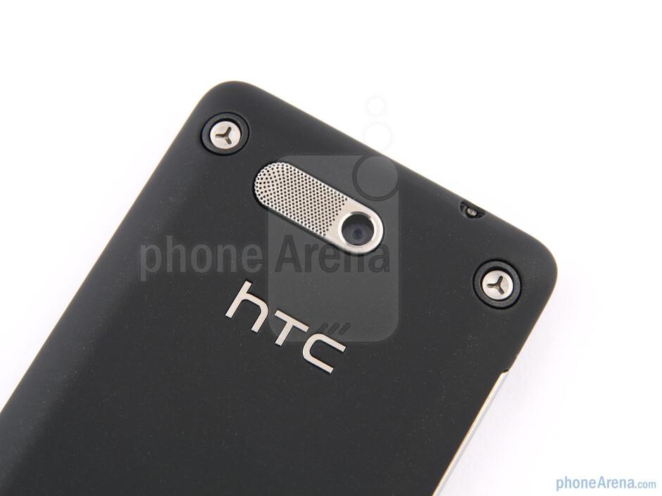 The sides of the HTC Gratia - HTC Gratia Review