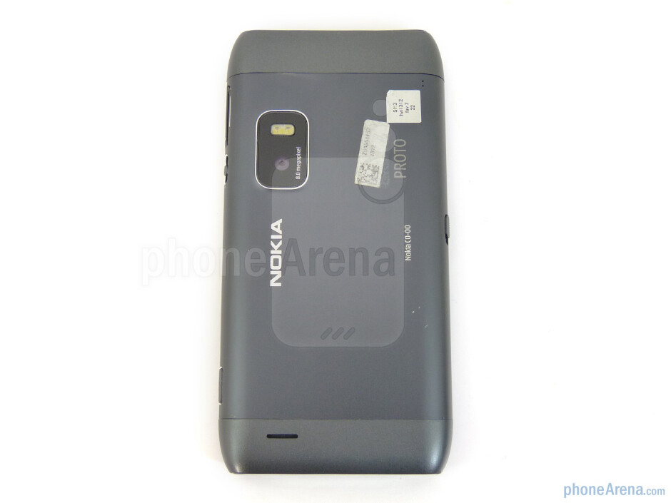 8-megapixel camera and dual-LED flash in the rear - Nokia E7 Preview