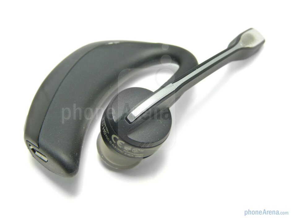 The microphone swivels and rotates to accommodate being worn on either ear - Plantronics Voyager PRO+ Review