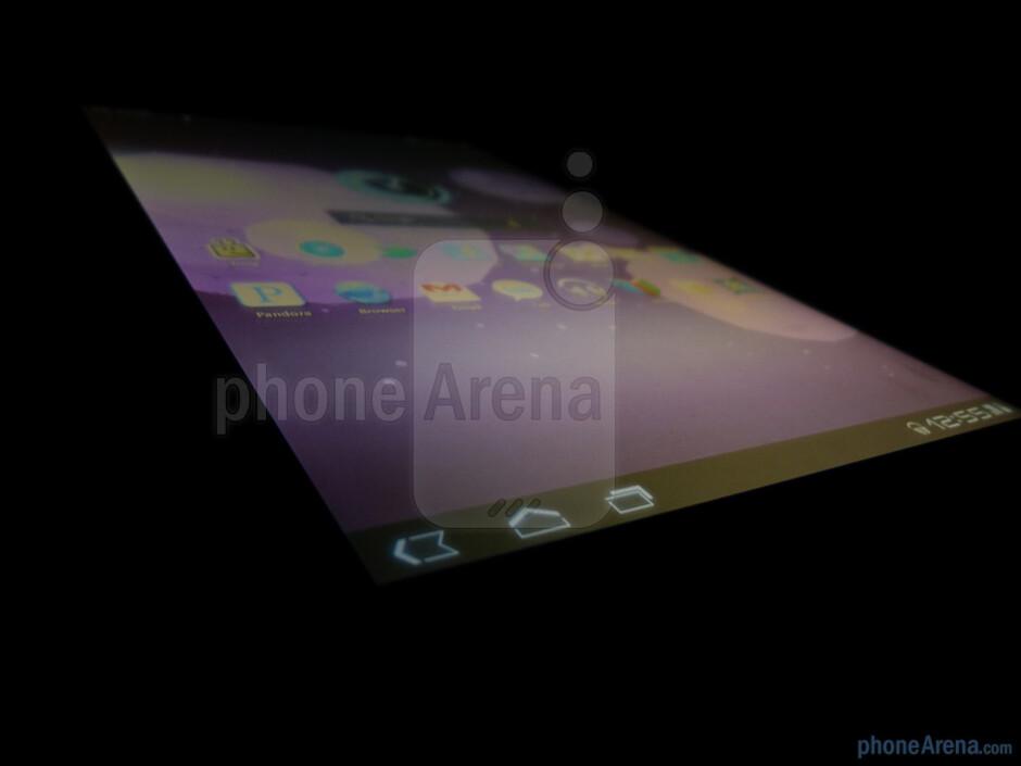 Viewing angles of the Motorola XOOM - Motorola XOOM Review