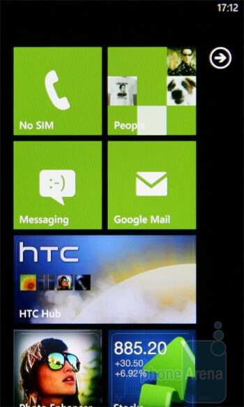 The minialistic homescreen of the HTC 7 Pro - HTC 7 Pro Review