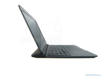"Opening the laptop, we're first greeted to its 11.6"" WXGA display - Motorola ATRIX 4G Laptop Dock Review"