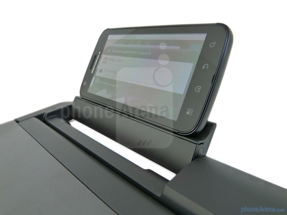 The Motorola ATRIX 4G mounted on the Laptop Dock - Motorola ATRIX 4G Laptop Dock Review