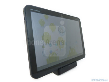 The Standard Dock for the Motorola XOOM - Motorola XOOM Standard and Speaker docks Review