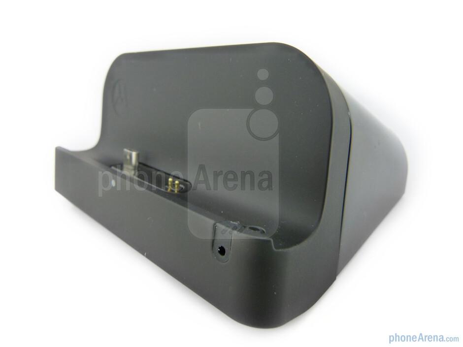 The Standard Dock for the Motorola XOOM - Motorola XOOM Standard and Speaker docks Review