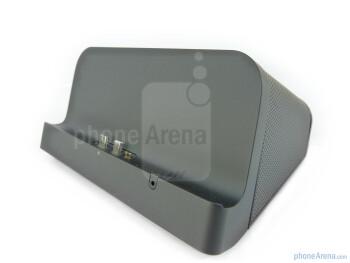 The Speaker Dock - Motorola XOOM Standard and Speaker docks Review