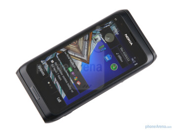 "The Nokia E7 has a 4"" AMOLED ClearBlack Display - Nokia E7 Review"