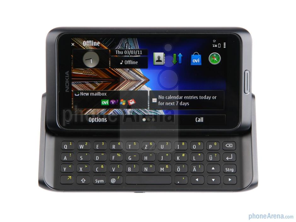 "The Nokia E7 has a 4"" AMOLED ClearBlack Display - Nokia E7 Review"