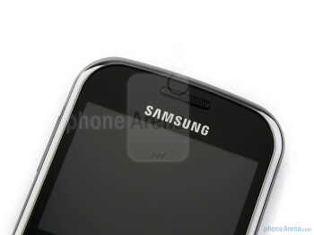 The phone has a 2.4 inch TFT display  - Samsung Ch@t 335 Preview