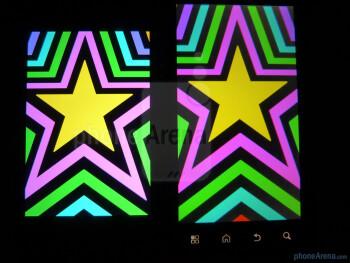 Color production of the Motorola ATRIX 4G (right) and the Apple iPhone 4 (left) - Motorola ATRIX 4G vs Apple iPhone 4