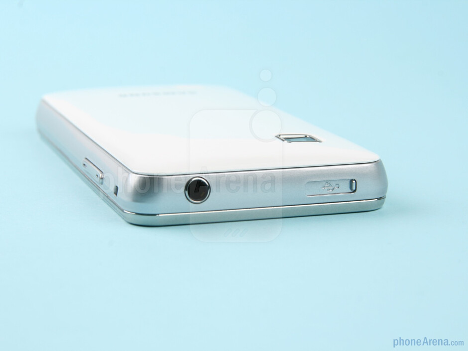 Top - The sides of the Samsung Star II - Samsung Star II Review