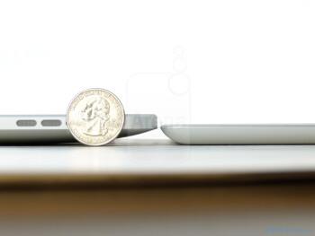 Apple iPad 2 (R) next to the Apple iPad (L) - Apple iPad 2 Review