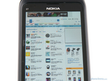 Nokia E7 - Displays and viewing angles of the Apple iPhone 4, the Nokia E7 and the LG Optimus 2X - Nokia E7 vs LG Optimus 2X vs Apple iPhone 4