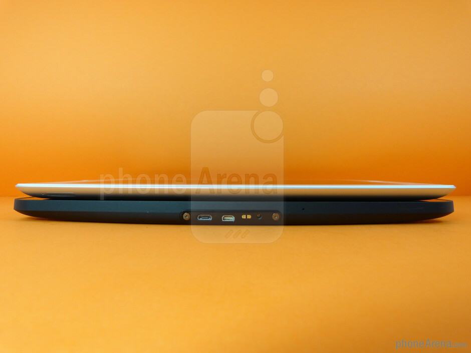 The sides of the Apple iPad 2 (top) and the Motorola XOOM (bottom) - Apple iPad 2 vs Motorola XOOM