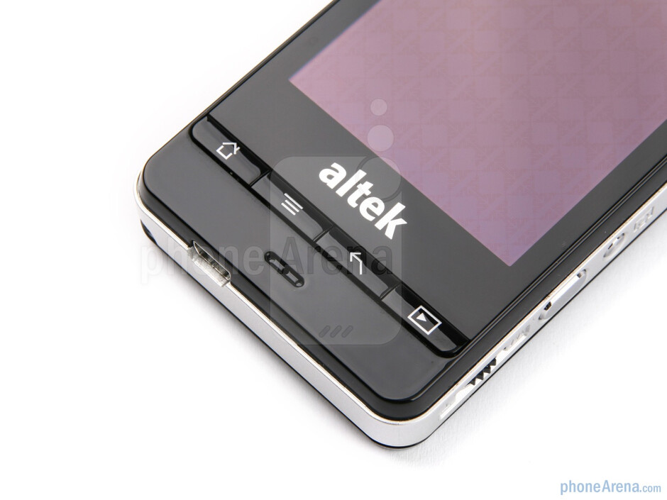 Android navigation buttonsunder the display - altek Leo Preview