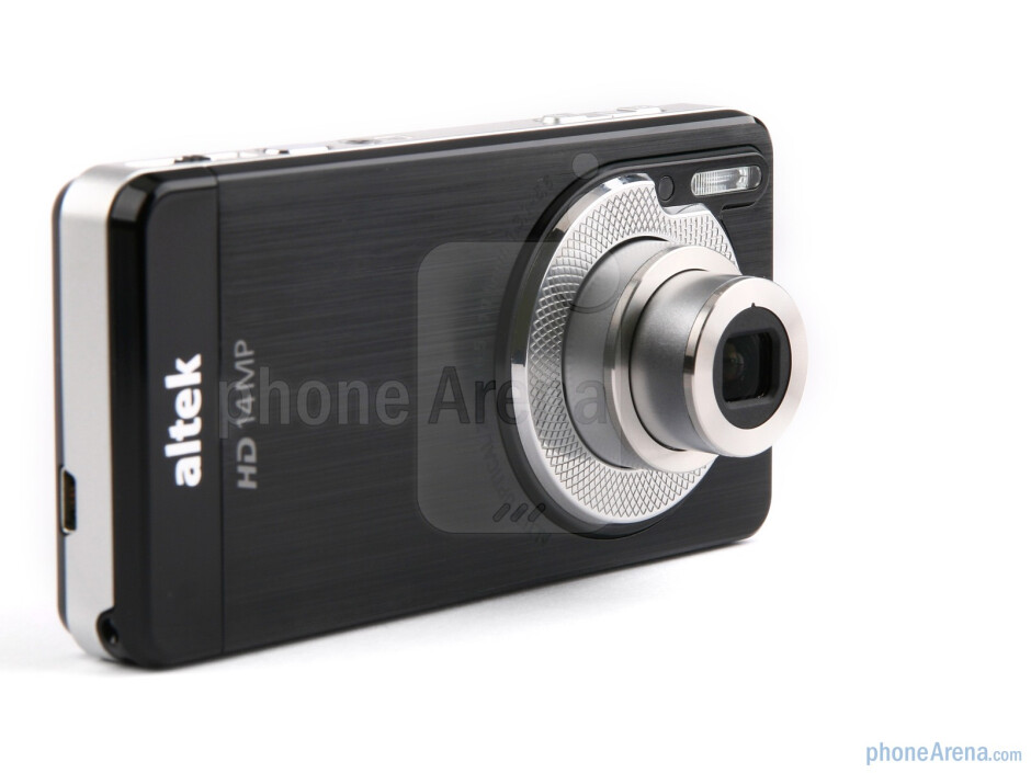 altek Leo's thickness is mostly due to the optical zoom mechanism - altek Leo Preview
