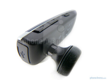 Volume rocker and voice command button - Buttons on the Samsung Modus HM6450 - Samsung Modus HM6450 Review