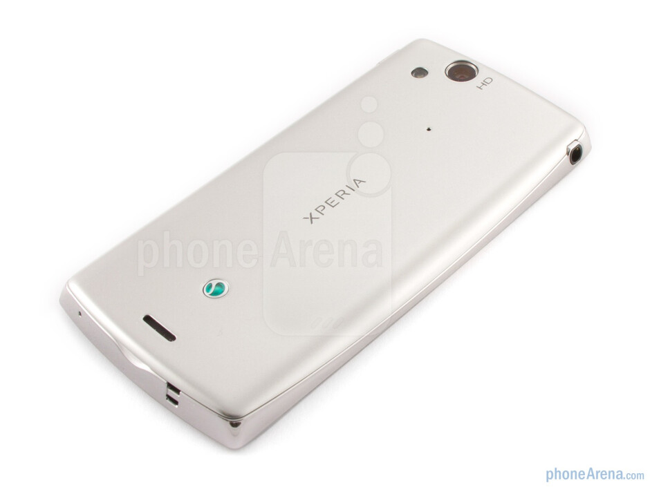 """The """"Misty Silver"""" version of Sony Ericsson Xperia arc - Sony Ericsson Xperia arc Review"""