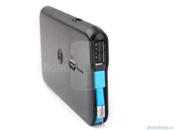 USB port - Motorola P793 Universal USB Portable Power Pack Review