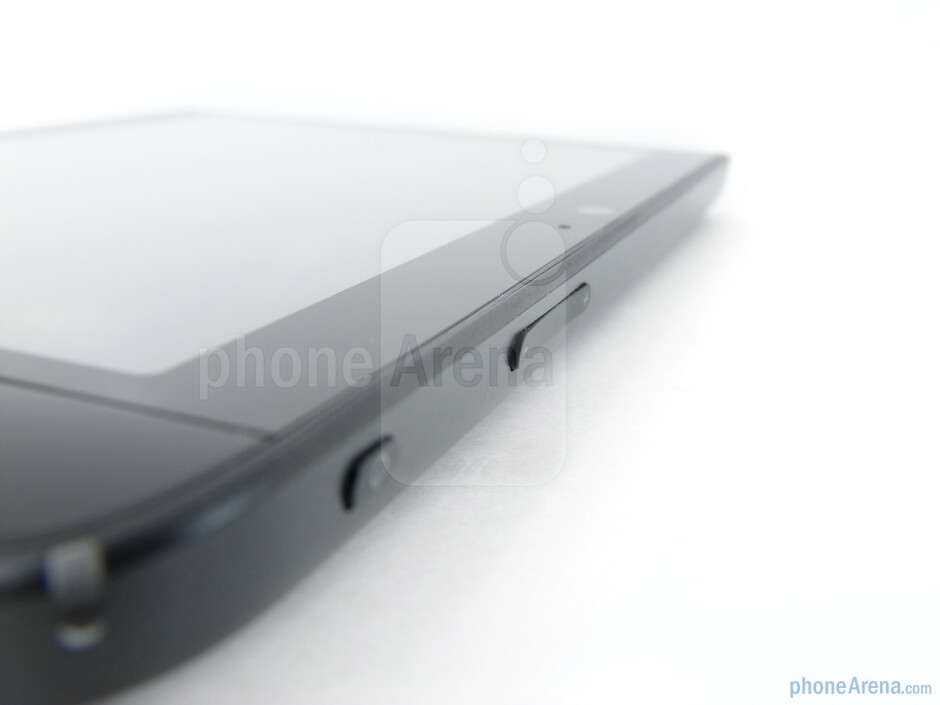 The top edge - Dell Streak 7 Review
