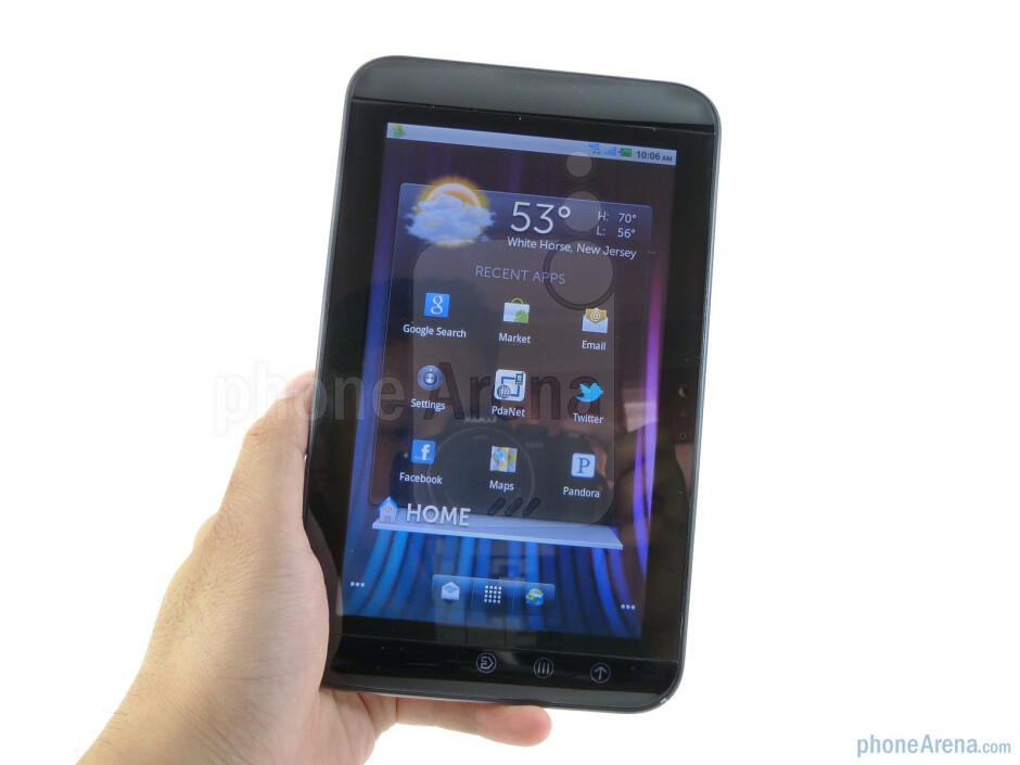 The Dell Streak 7 is quite comfortable to hold with even one hand - Dell Streak 7 Review