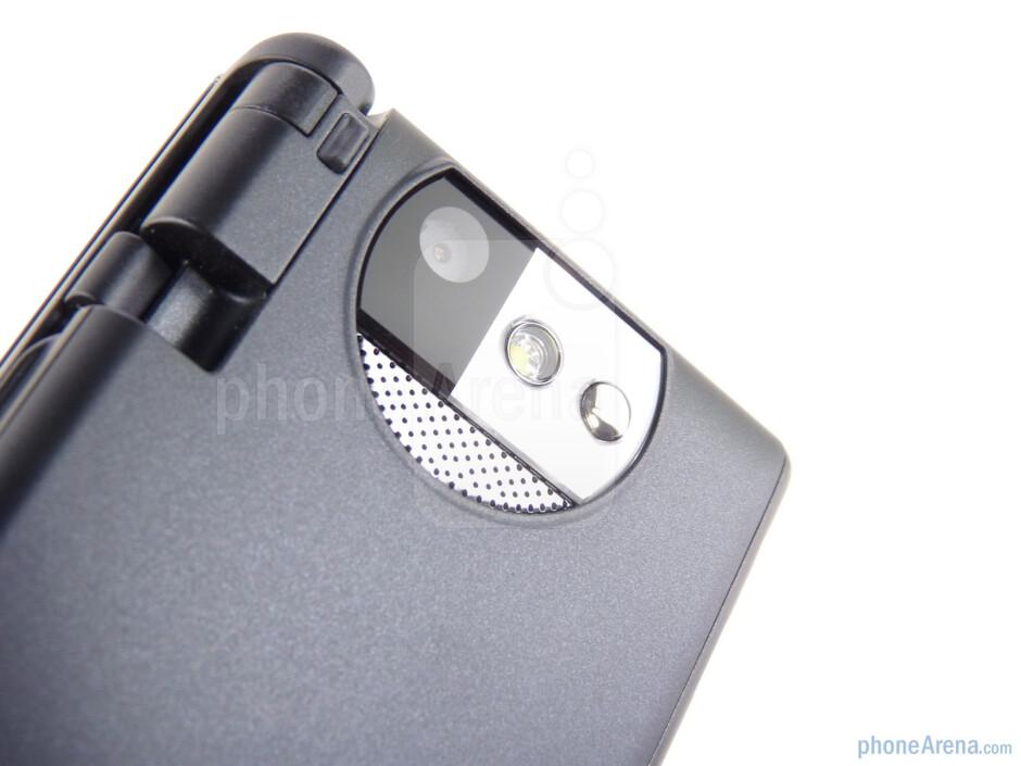 Kyocera Echo has 5MP camera with LED flash - Kyocera Echo Review