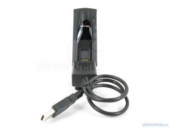 Box contents of the Novatel USB551L - Novatel USB551L 4G USB Modem for Verizon Review