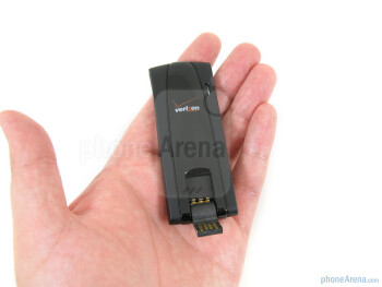The Novatel USB551L is compact and light - Novatel USB551L 4G USB Modem for Verizon Review