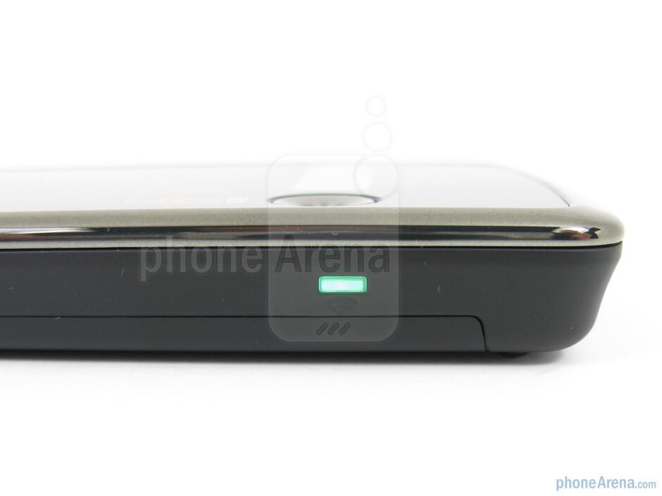 The sides of the Novatel 4510L 4G MiFi - Novatel 4510L 4G MiFi for Verizon Wireless Review