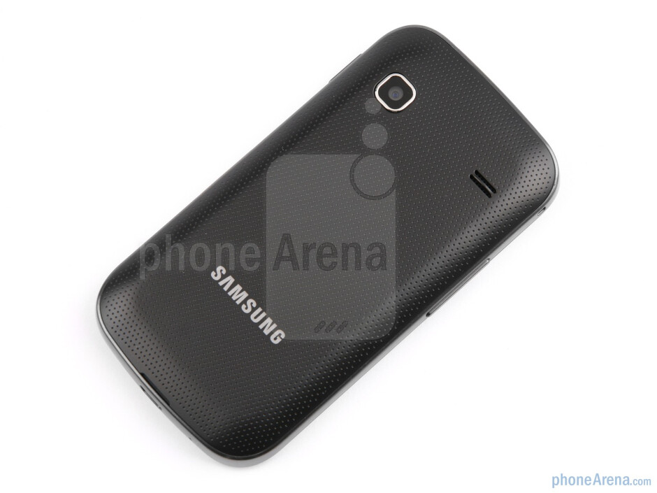 The Samsung Galaxy Gio has tapered back cover edges and rounded corners - Samsung GALAXY Gio Review