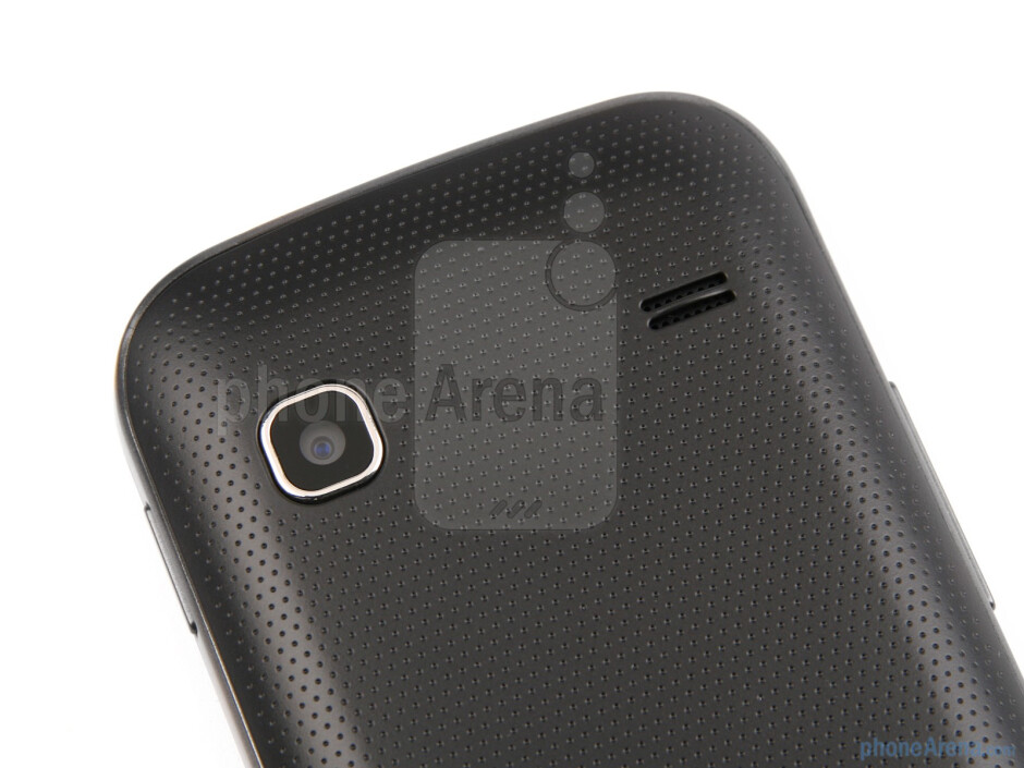 Back - Samsung GALAXY Gio Review