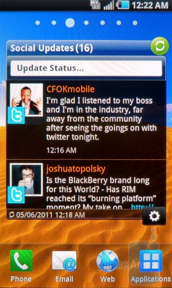 The Social Updates  widget - Personalization is plentiful and abundant with  the Samsung Infuse 4G - Samsung Infuse 4G Review