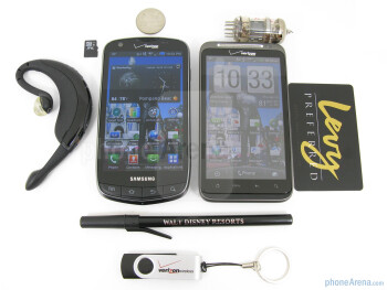 The Samsung Droid Charge (left) and the HTC ThunderBolt (right) - Samsung Droid Charge vs HTC ThunderBolt