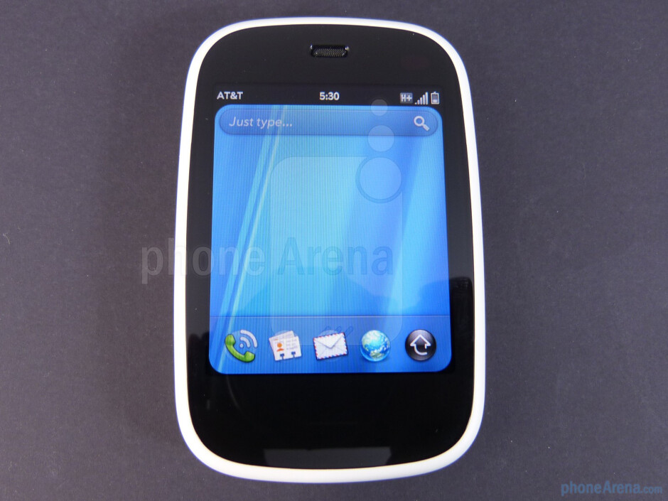 """We're greeted with a 2.6"""" capacitive touchscreen with a resolution of 320 x 400 pixels - HP Veer 4G Review"""