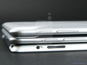 Samsung GALAXY Tab 8.9 (top), Samsung GALAXY Tab 10.1 (middle),Apple iPad 2 (bottom) - Samsung GALAXY Tab 8.9 Preview