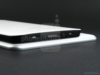 Samsung GALAXY Tab 8.9 (bottom), Samsung Galaxy Tab (top) - Samsung GALAXY Tab 8.9 Preview