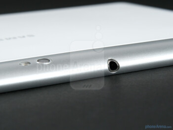 3.5mm headset jack - Samsung GALAXY Tab 10.1 Preview