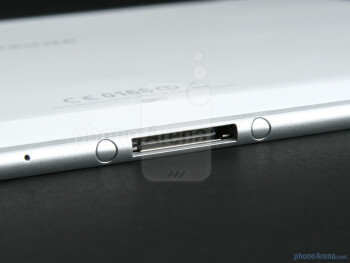The proprietary dock connector - Samsung GALAXY Tab 10.1 Preview