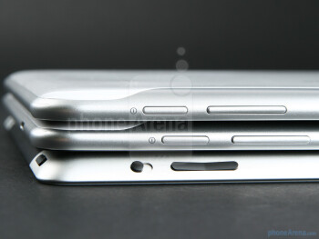 Samsung GALAXY Tab 8.9 (top), Samsung GALAXY Tab 10.1 (in the middle), Apple iPad 2 (bottom) - Samsung GALAXY Tab 10.1 Preview