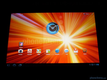 Viewing angles on the Samsung GALAXY Tab 10.1 - Samsung GALAXY Tab 10.1 Review