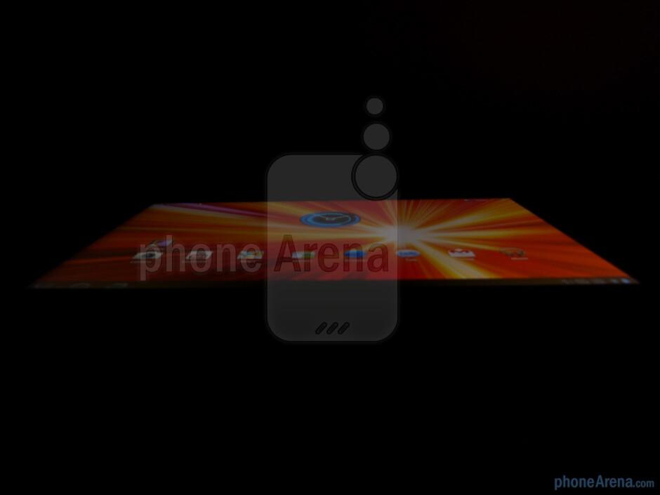 Viewing angles on the Samsung GALAXY Tab 10.1 - Samsung GALAXY Tab 10.1 Review