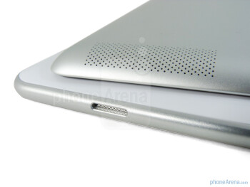 Speakers - The Apple iPad 2 (left, top) and the Samsung Galaxy Tab 10.1 (right, bottom) - Samsung Galaxy Tab 10.1 vs Apple iPad 2