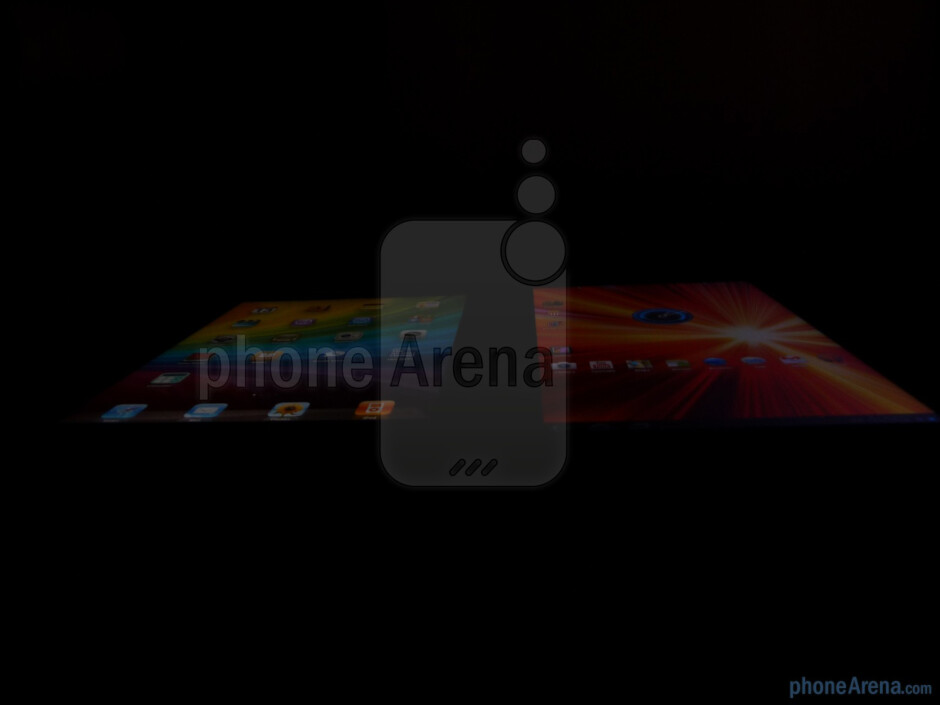 The Apple iPad 2 (L) and the Samsung Galaxy Tab 10.1 (R) - Samsung Galaxy Tab 10.1 vs Apple iPad 2