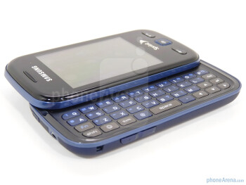 The 4-row QWERTY keyboard of the Samsung Trender - Samsung Trender Review