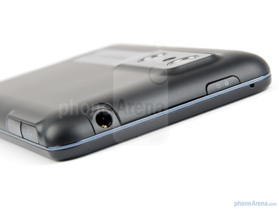 Top - LG Optimus 3D (Thrill 4G) Preview
