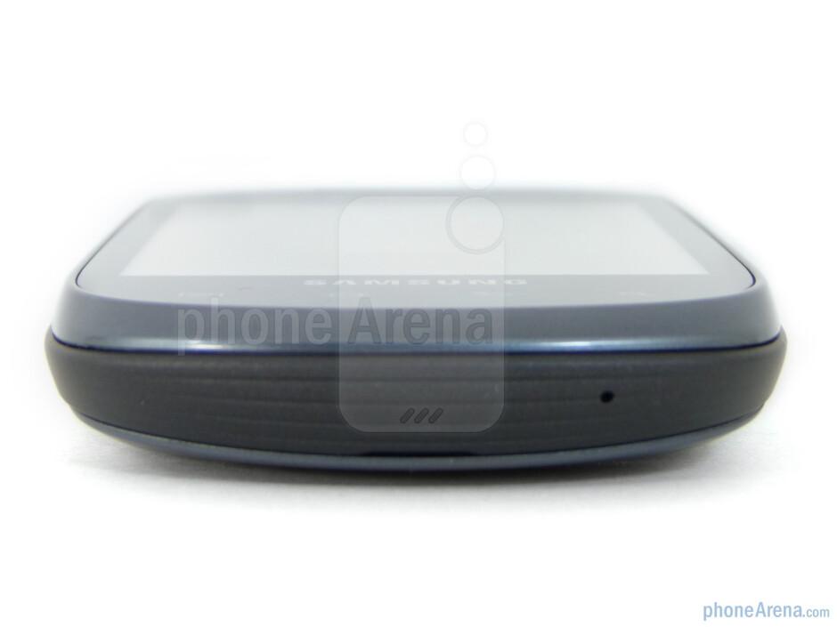 The sides of Samsung Dart - Samsung Dart Review