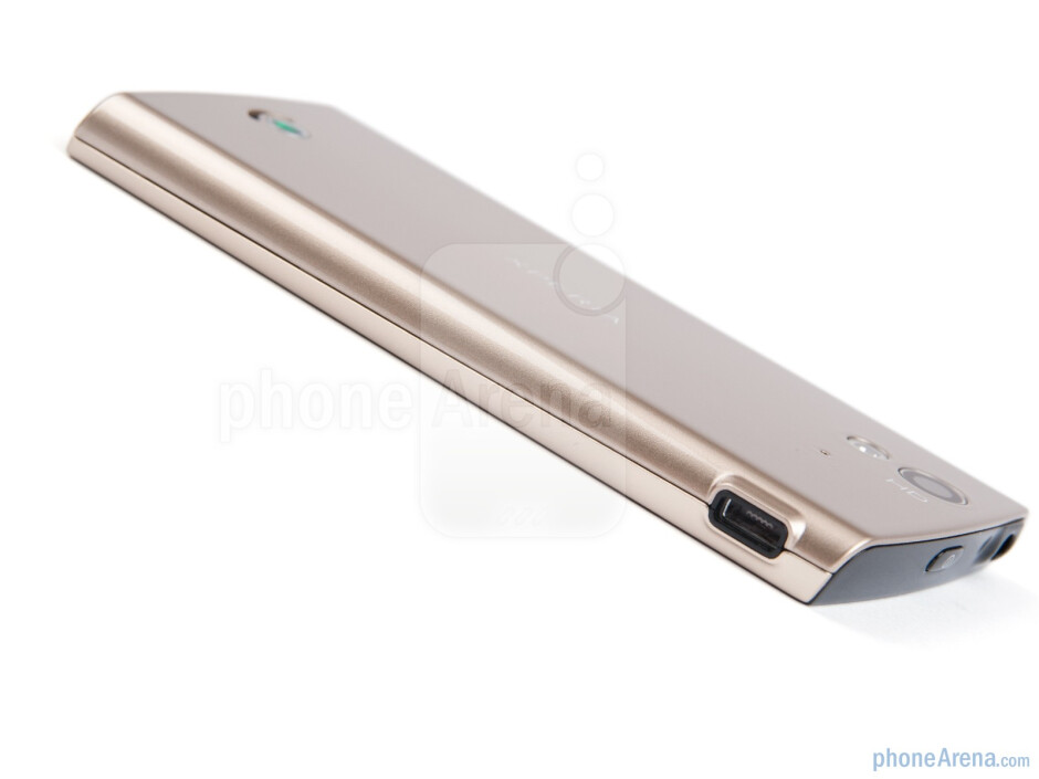 Left side - Sony Ericsson Xperia ray Preview