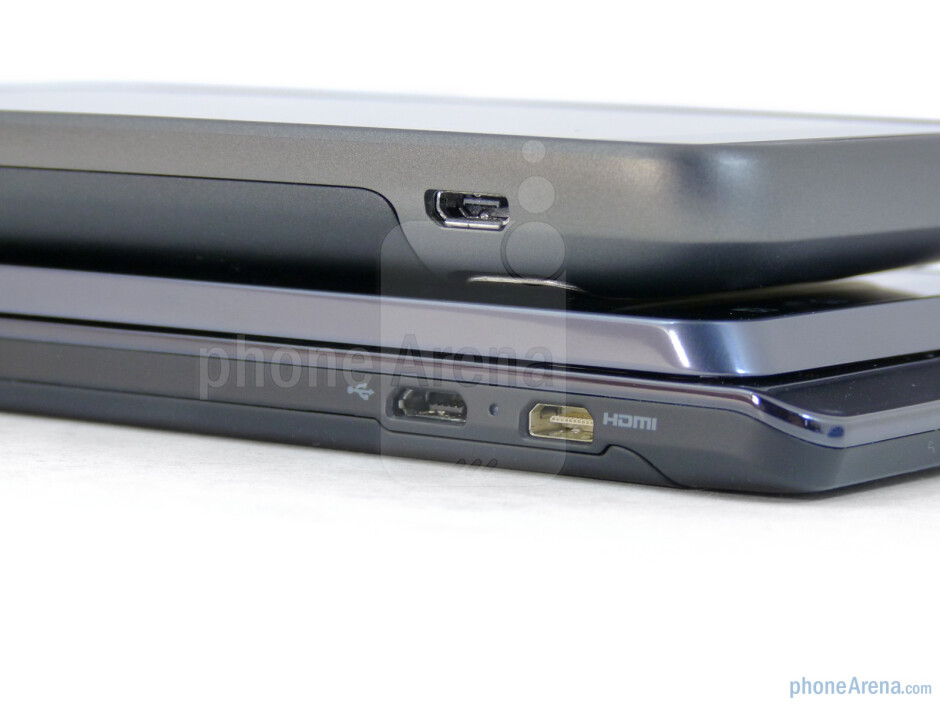 Ports - Motorola DROID 3 (bottom) and the HTC ThunderBolt (top) - Motorola DROID 3 vs HTC ThunderBolt
